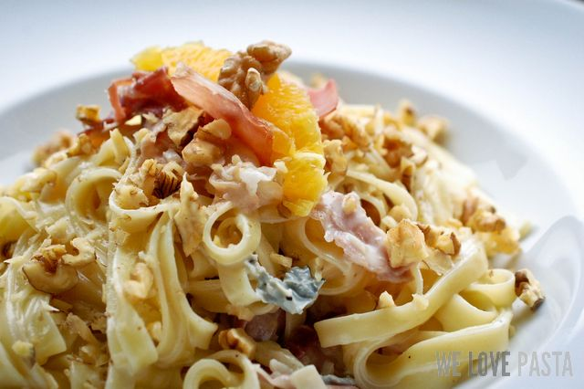 Fettucine an Gorgonzola-Walnuss-Sauce
