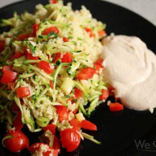 Couscous mit Zucchini, Paprika und Gewürzjoghurt