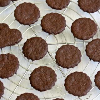 Zum Dahinschmelzen: Schokoladen-Sablées