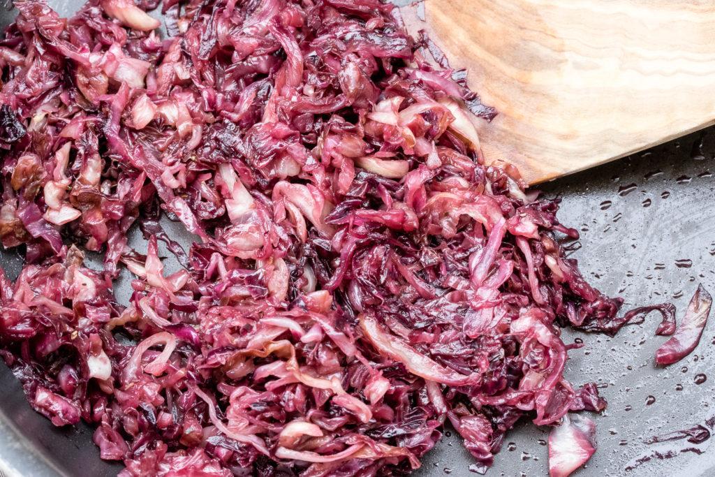 Herzravioli mit Radicchio, Ziegenkäse und Thymianbutter