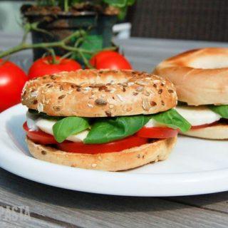 Bagel-Serie #1: Tomate-Mozzarella-Bagels
