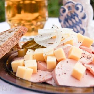 Wurstsalat und Mini-Brotzeit-Knödel