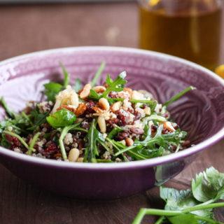 Wildreissalat mit Cranberries und Kräutern