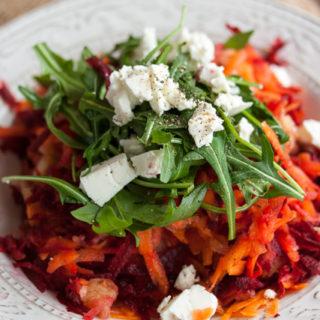 Rote-Bete-Salat mit Feta und Rucola