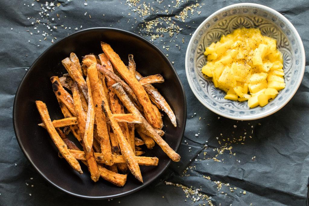 Süßkartoffelpommes aus dem Ofen - ein Rezept für besonders knusprige Fritten